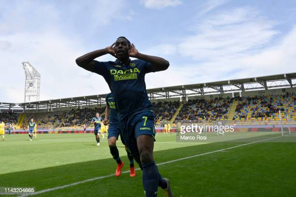 Stefano Okaka of Udinese celebrates the opening goal during the Serie A match between Frosinone Calcio and Udinese at Stadio Benito Stirpe on May 12...