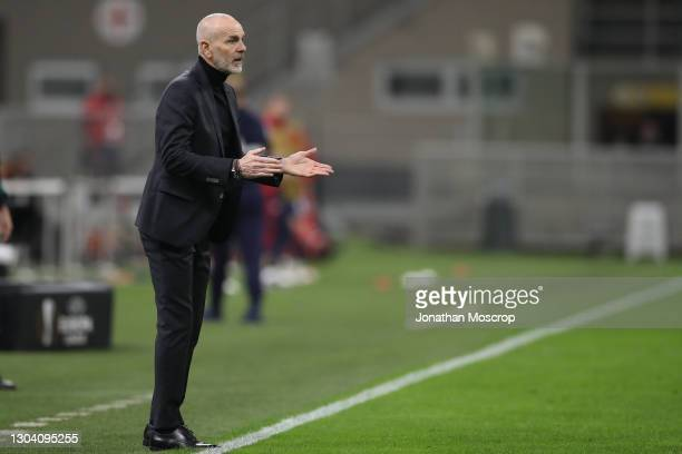 Stefano Pioli Head coach of AC Milan reacts during the UEFA Europa League Round of 32 match between AC Milan and Crvena Zvezda at on February 25,...