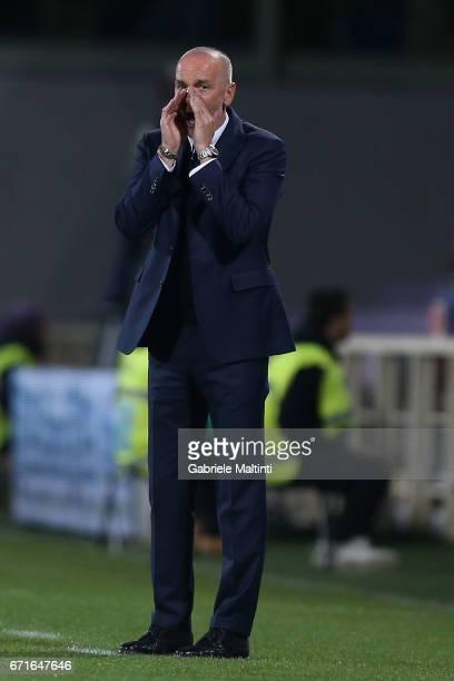 Stefano Pioli head coach of FC Internazionale gestures during the Serie A match between ACF Fiorentina v FC Internazionale at Stadio Artemio Franchi...