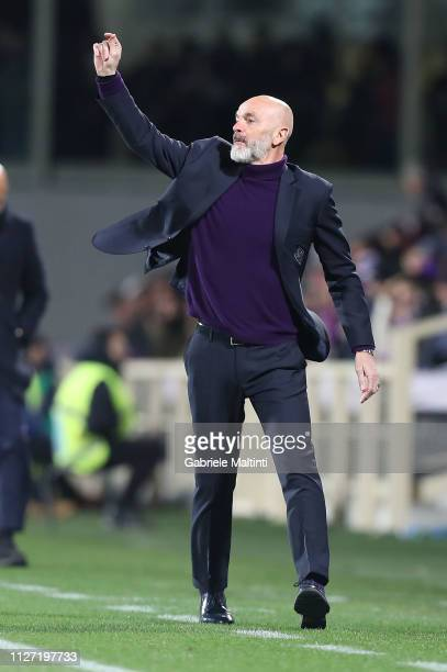 Stefano Pioli manager of ACF Fiorentina gestures during the Serie A match between ACF Fiorentina and FC Internazionale at Stadio Artemio Franchi on...