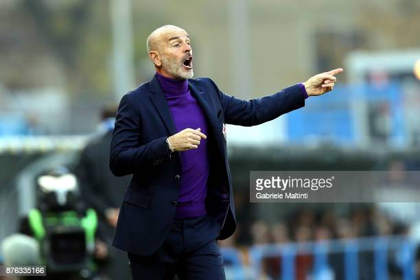 Stefano Pioli manager of ACF Fiorentina gestures during the Serie A match between Spal and ACF Fiorentina at Stadio Paolo Mazza on November 19 2017...