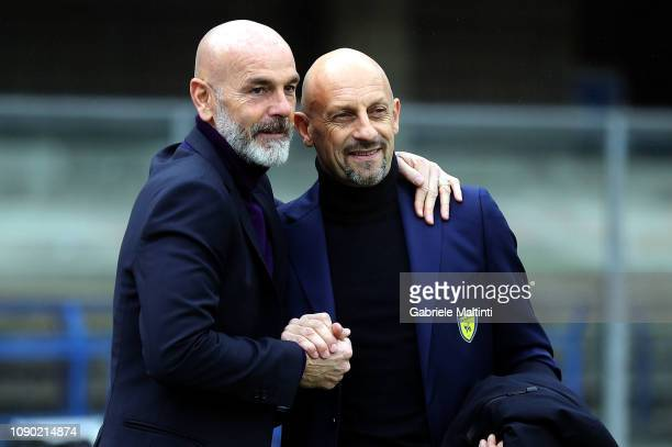 Stefano Pioli manager of AFC Fiorentina and Domenico Di Carlo manager of AC Chievo Verona during the Serie A match between Chievo Verona and ACF...
