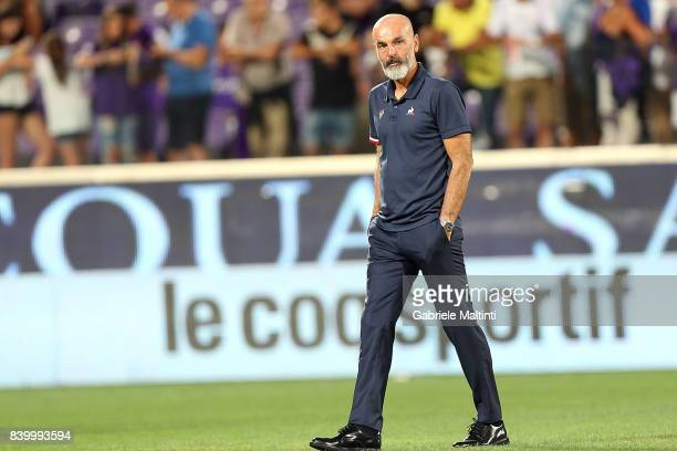 Stefano Pioli manager of AFC Fiorentina during the Serie A match between ACF Fiorentina and UC Sampdoria at Stadio Artemio Franchi on August 27 2017...