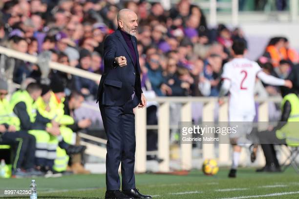 Stefano Pioli manager of AFC Fiorentina gestures during the serie A match between ACF Fiorentina and AC Milan at Stadio Artemio Franchi on December...