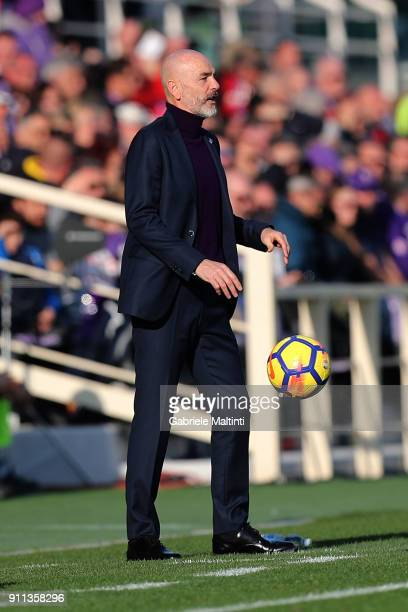 Stefano Pioli manager of AFC Fiorentina gestures during the serie A match between ACF Fiorentina and Hellas Verona FC at Stadio Artemio Franchi on...
