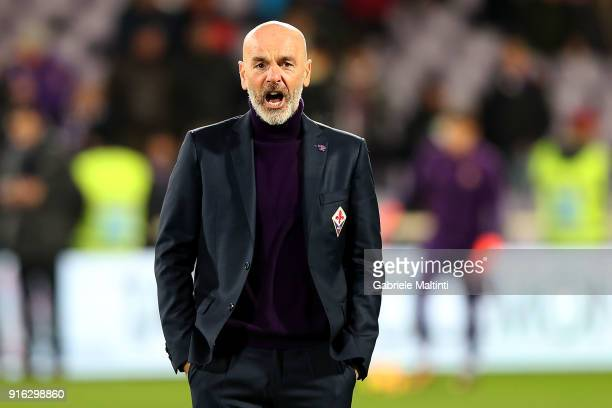Stefano Pioli manager of AFC Fiorentina reacts during the serie A match between ACF Fiorentina and Juventus at Stadio Artemio Franchi on February 9...