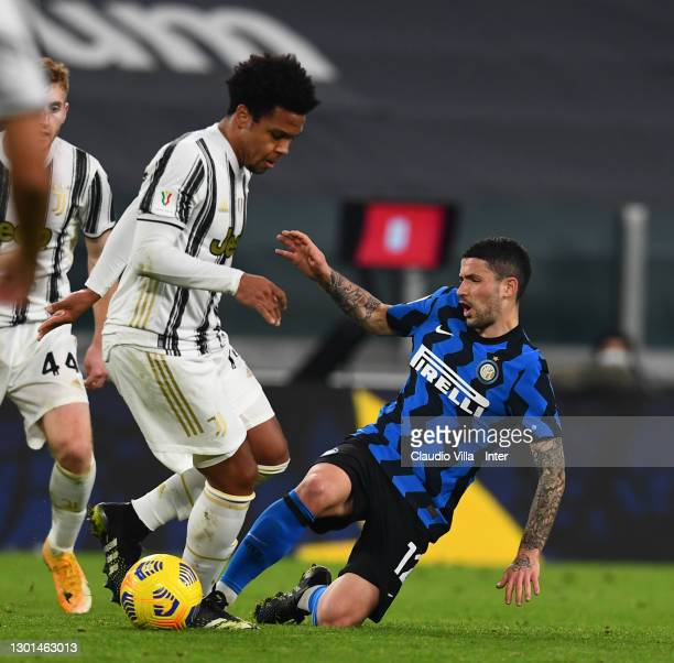 Stefano Sensi of FC Internazionale and Weston James Earl McKennie of Juventus compete for the ball during the Coppa Italia semi-final Juventus and FC...
