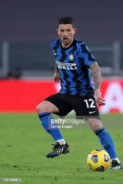 Stefano Sensi of FC Internazionale controls the ball during the Coppa Italia semi-final Juventus and FC Internazionale at Allianz Stadium on February...