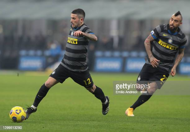 Stefano Sensi of FC Internazionale in action during the Serie A match between FC Internazionale and Benevento Calcio at Stadio Giuseppe Meazza on...