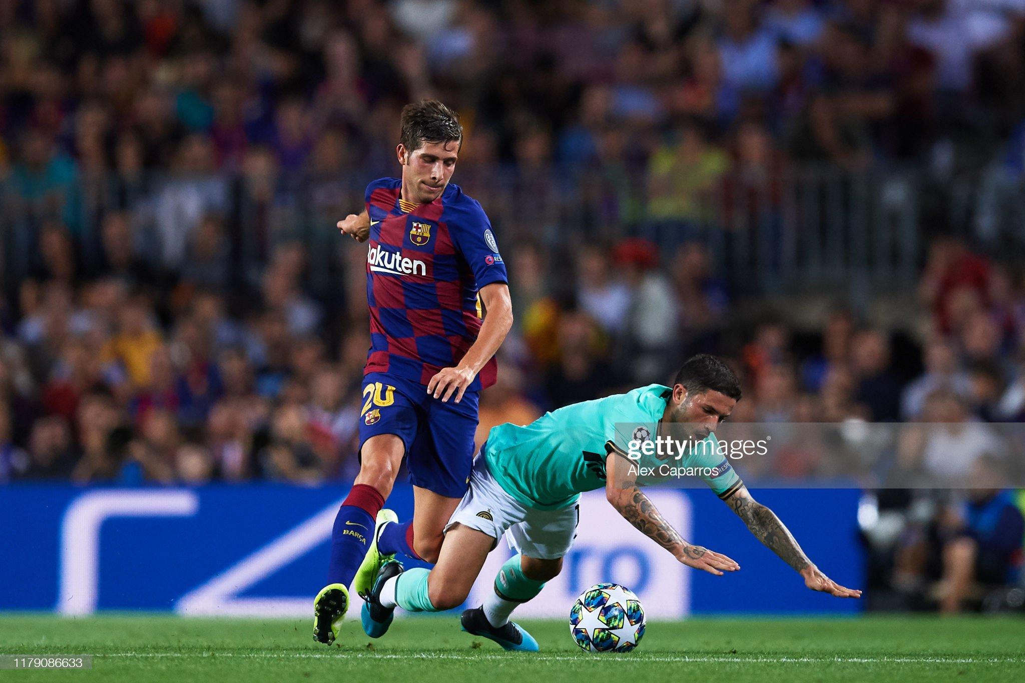 صور مباراة : برشلونة - إنتر 2-1 ( 02-10-2019 )  Stefano-sensi-of-inter-fights-for-the-ball-with-sergi-roberto-of-fc-picture-id1179086633?s=2048x2048
