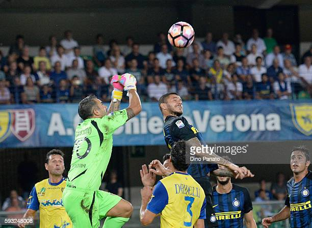 Stefano Sorrentino goalkeeper of AC ChievoVerona battles competes with Mauro Icardi of FC Internazionale during the Serie A match between AC...
