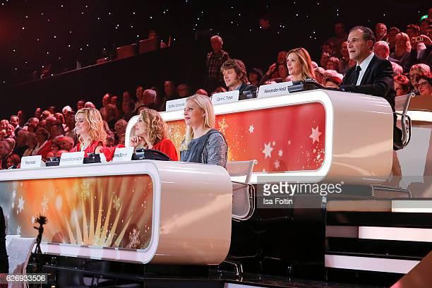 Steffen Schroeder Karin C Tietzte Alexander Hold Rhea Harder Franziska Reichenbacher Susanna Simon attend the tv show 'Die schoensten Weihnachtshits'...