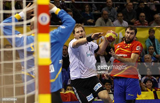 Steffen Weinhold gegen Jose Manuel SIERRA Handball Männer Weltmeisterschaft Viertelfinale : Spanien - Deutschland mens ihf handball worldchampionchip...