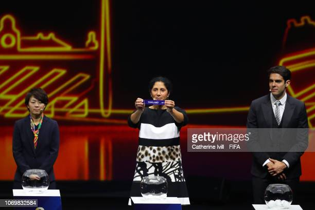 Steffi Jones picks out Thailand during the FIFA Women's World Cup France 2019 Draw at La Seine Musicale on December 8 2018 in Paris France