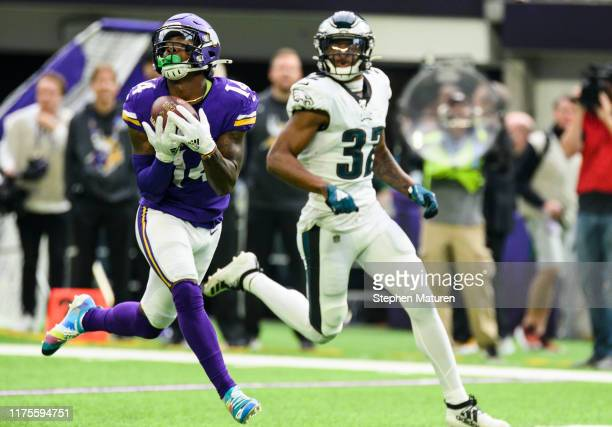 Stefon Diggs of the Minnesota Vikings catches the ball for a 62 yard touchdown in the second quarter of the game against the Philadelphia Eagles at...