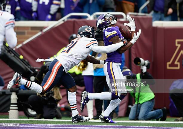 Stefon Diggs of the Minnesota Vikings makes a catch for a touchdown against Ryan Mundy of the Chicago Bears during the first quarter of the game on...
