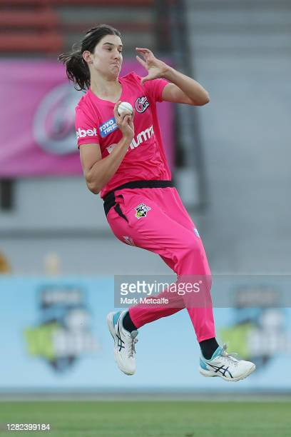 Stella Campbell of the Sixers bowls during the Women's Big Bash League WBBL match between the Sydney Sixers and the Adelaide Strikers at North Sydney...