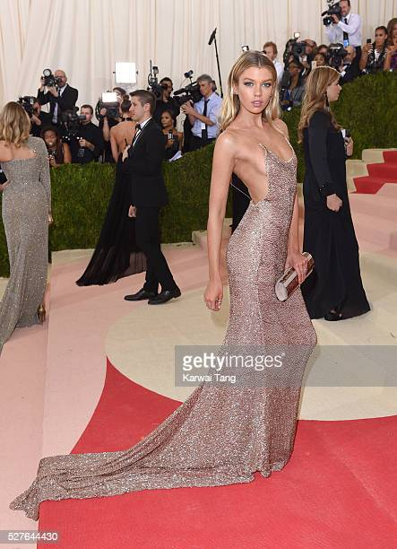 Stella Maxwell arrives for the 'Manus x Machina Fashion In An Age Of Technology' Costume Institute Gala at Metropolitan Museum of Art on May 2 2016...