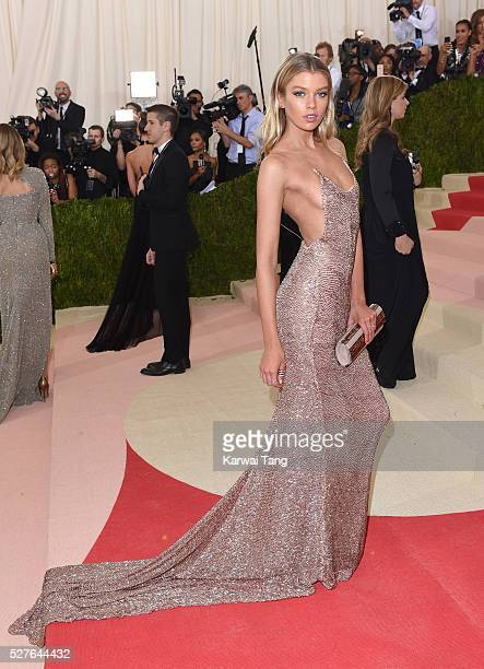 """Stella Maxwell arrives for the """"Manus x Machina: Fashion In An Age Of Technology"""" Costume Institute Gala at Metropolitan Museum of Art on May 2, 2016..."""