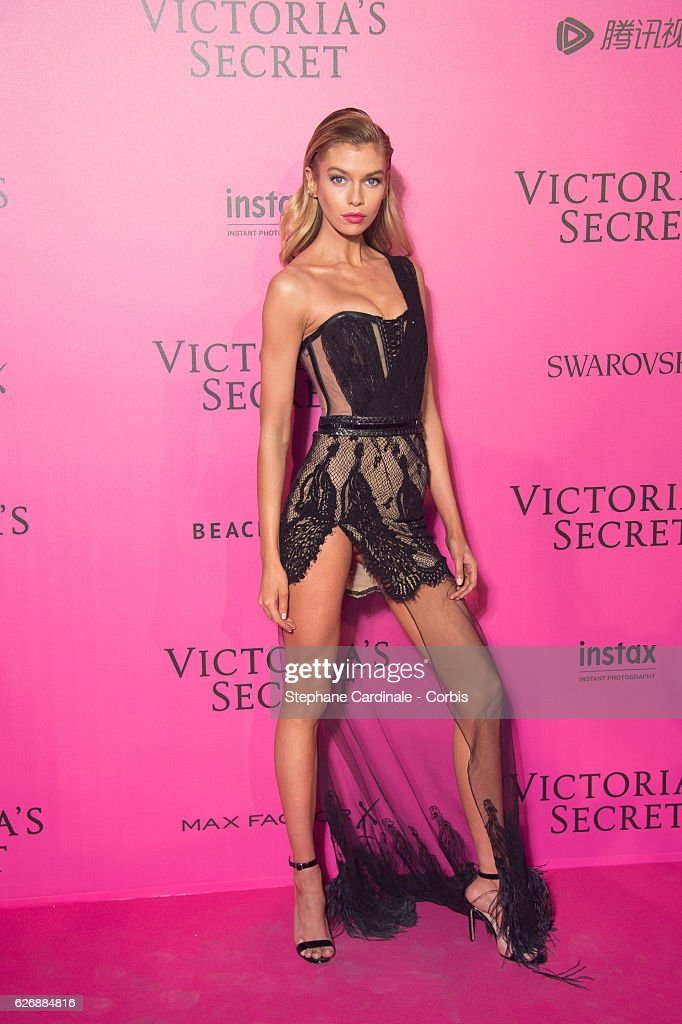 2016 Victoria's Secret Fashion Show in Paris - After Party - Arrivals : News Photo
