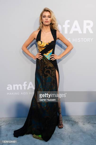 Stella Maxwell attends the amfAR Cannes Gala 2021 during the 74th Annual Cannes Film Festival at Villa Eilenroc on July 16, 2021 in Cap d'Antibes,...