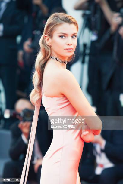 Stella Maxwell walks the red carpet ahead of the 'mother!' screening during the 74th Venice Film Festival at Sala Grande on September 5, 2017 in...