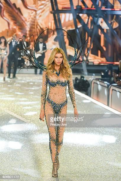 Stella Maxwell walks the runway 2016 Victoria's Secret Fashion Show in Paris Show at Le Grand Palais on November 30 2016 in Paris France