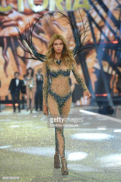 Stella Maxwell walks the runway during the 2016 Victoria's Secret Fashion Show on November 30 2016 in Paris France