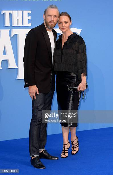 Stella McCartney and Alasdair Willis attend the World premiere of 'The Beatles Eight Days A Week The Touring Years' at Odeon Leicester Square on...
