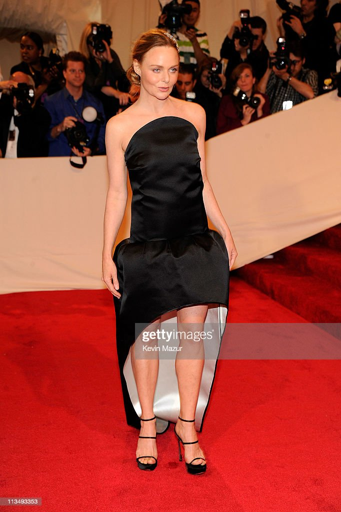 Stella McCartney attends the 'Alexander McQueen: Savage Beauty' Costume Institute Gala at The Metropolitan Museum of Art on May 2, 2011 in New York City.
