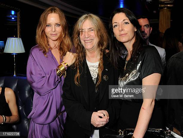 REQUIRED Stella McCartney Patti Smith and Mary McCartney attend the Hoping Foundation's 'Rock On' benefit evening for Palestinian refugee children at...