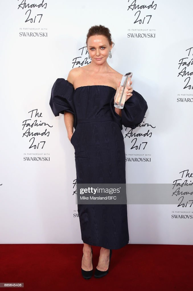 Stella McCartney poses in the winners room with the Special Recognition Award for Innovation during The Fashion Awards 2017 in partnership with Swarovski at Royal Albert Hall on December 4, 2017 in London, England.