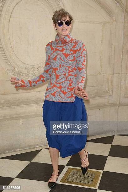 Stella Tenant attends the Christian Dior show as part of the Paris Fashion Week Womenswear Spring/Summer 2017 on September 30 2016 in Paris France