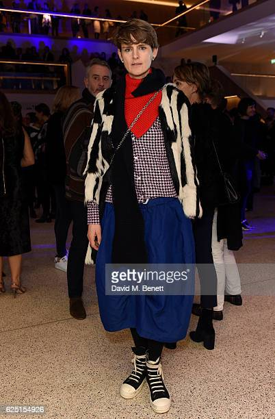 Stella Tennant attends the launch of the new Design Museum cohosted by Alexandra Shulman Sir Terence Conran Deyan Sudjic on November 22 2016 in...