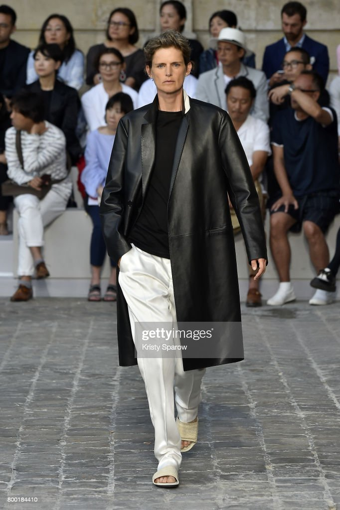 Berluti : Runway - Paris Fashion Week - Menswear Spring/Summer 2018