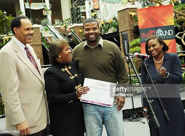 Stellar Awards, Don Jackson & Erma Davis and Verizon's LaTasha Owen - Hobby present Will Smith during the closing ceremony for Verizon's How Sweet...