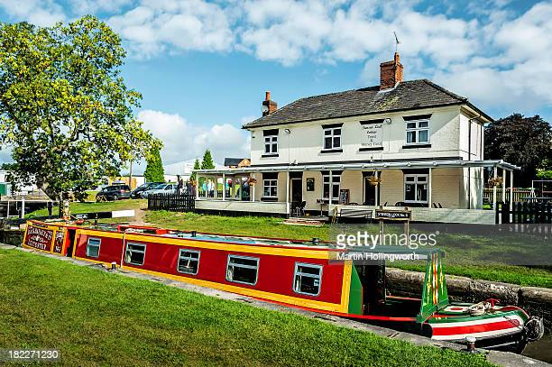 CONTENT] Stenson Lock is south of Derby on the Trent and Mersey Canal The lock is number 6 and is the second deepest on the canal at 12' 6quot There...