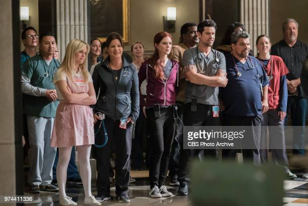 Step Up Rox decides to make amends with her former step coach when she arrives at Angels Memorial with the local high school step team after a...