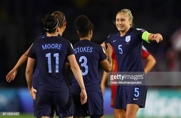 Steph Houghton of England celebrates with team mates after winning the UEFA Women's Euro 2017 Group D match between England and Spain at Rat Verlegh...