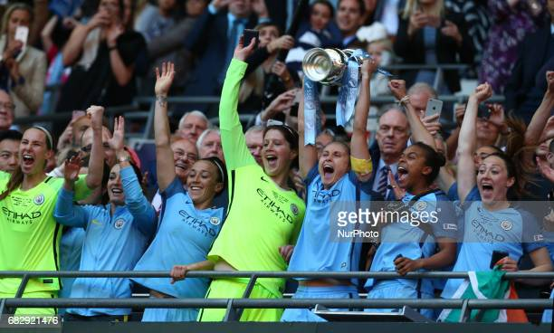 Steph Houghton of Manchester City WFCwith Trophy after The SSE FA Women's CupFinal match betweenBirmingham City Ladies v Manchester City women at...