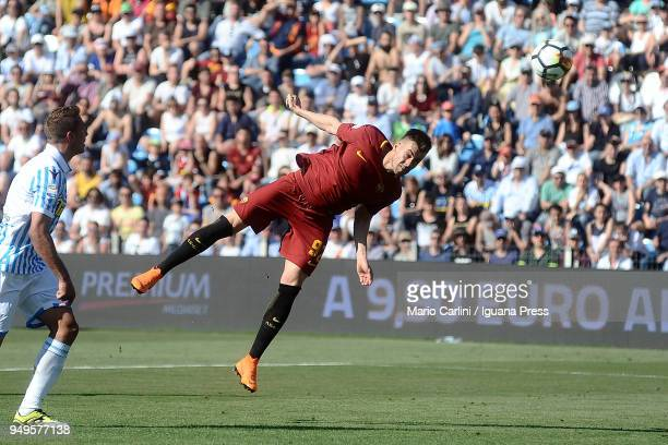Stephan El Shaarawi of AS Roma heads the ball towards the goal during the serie A match between Spal and AS Roma at Stadio Paolo Mazza on April 21...