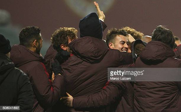 Stephan El Shaarawy of AS Roma celebrates his goal with his teammates during the Serie A match between US Sassuolo Calcio and AS Roma at Mapei...