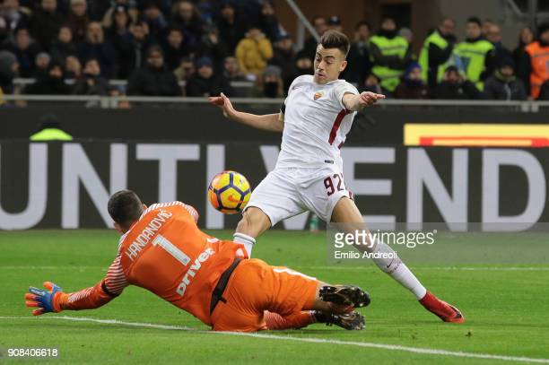 Stephan El Shaarawy of AS Roma scores the opening goal during the Serie A match between FC Internazionale and AS Roma at Stadio Giuseppe Meazza on...