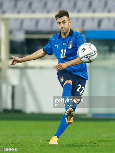 Stephan El Shaarawy of Italy controls the ball during the International Friendly match between Italy and Estonia at Stadio Artemio Franchi on...