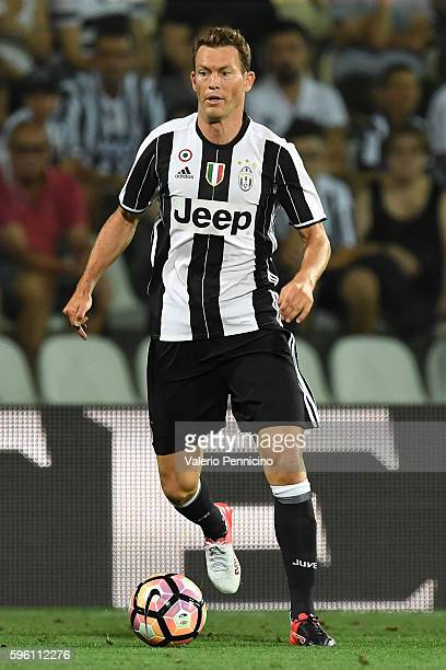 Stephan Lichtsteiner of FC Juventus in action during the PreSeason Friendly match between FC Juventus and Espanyol at Alberto Braglia Stadium on...