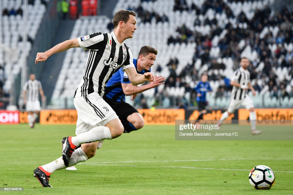 Stephan Lichtsteiner of Juventus during the serie A match between Juventus and Atalanta BC on March 14, 2018 in Turin, Italy.