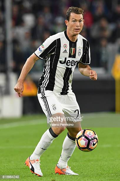 Stephan Lichtsteiner of Juventus FC in action during the Serie A match between Juventus FC and Udinese Calcio at Juventus Stadium on October 15 2016...