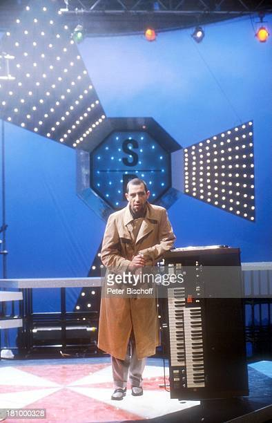 ", Show: ""Goldene Europa 1989"", , Musiker, Auftritt, Bühne, Kulisse, NDW, Sänger, Keyboard, Instrument, Promis, Prominente, Prominenter,"