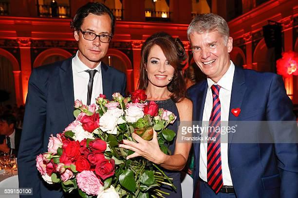 Stephan Willems Sabrina Staubitz and Hermann Reichenspurner attend the 'Das Herz im Zentrum' Charity Gala on June 9 2016 in Hamburg Germany