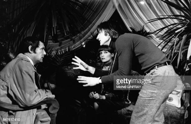 Stephane Audran et Maurice Ronet pendant le tournage du film de Claude Lallemand Le cri du coeur en mars 1974 a Beaune France